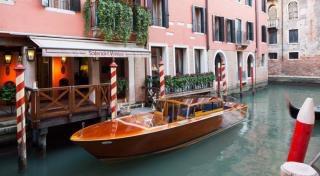 なぜイタリアのボート?のイメージ